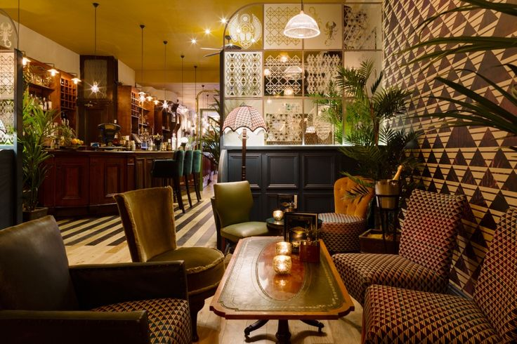 HOXLEY AND PORTER, Islington. Resembling a train carriage it features British classics and intoxicating cocktails.