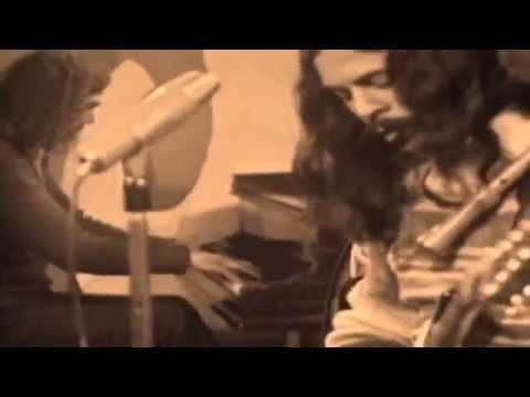Los Jaivas - Mira Niñita (Oficial Video) - YouTube