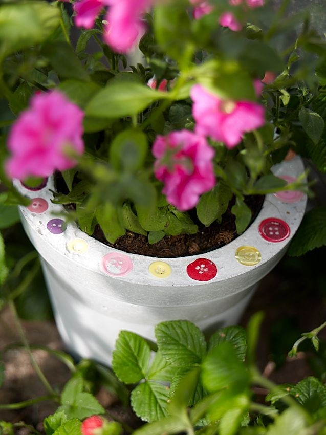 how to keep potted plants from staining concrete