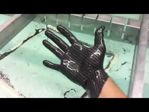 Hydrographics- Dipping my hand in carbon fiber film- elpasopowdercoating.com - YouTube
