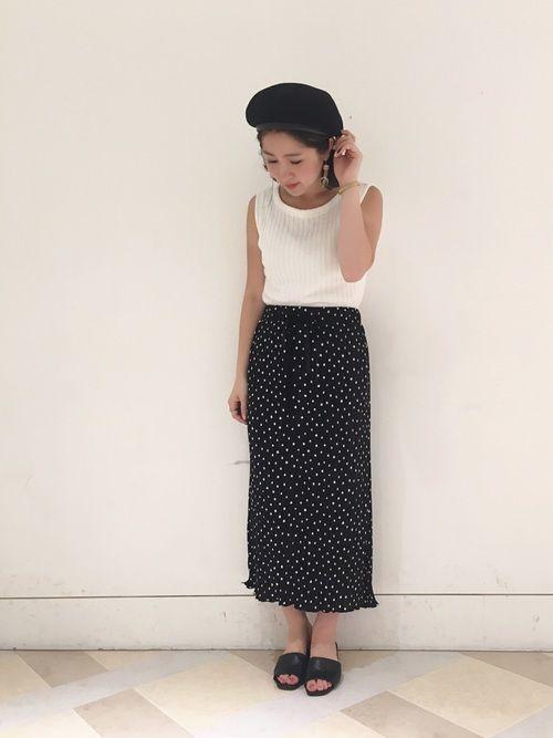 閲覧ありがとうございます😍 トレンドのドットスカート!! 丈感がぴったり🤤💓