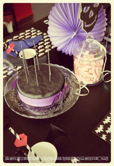 gateau-sweet-table-deco-anniversaire-fete-enfants-halloween-vampires-chica-vampiro-chauve-souris-bat-birthday-party-kids-tuto-diy-1