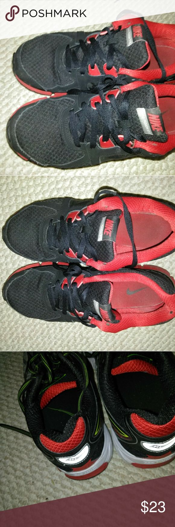 Men's Nike Dual Fusion Shoes Size 11.5 These shoes are in good  pre-owned condition. Nike Shoes Athletic Shoes