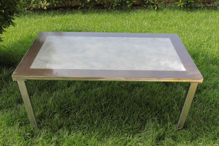 Tavolo in ferro lucidato piano in legno decorato e for Tavolo resina epossidica