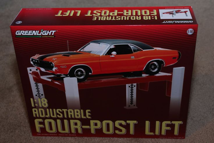 Greenlight 1/18 Four Post Shop Garage Car Lift Red White Raises/Lowers
