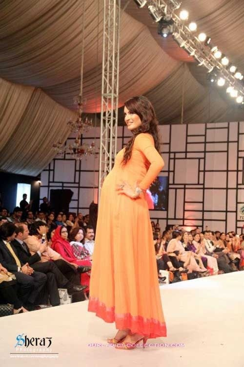 Pakistani Model Nadia Hussain Biography