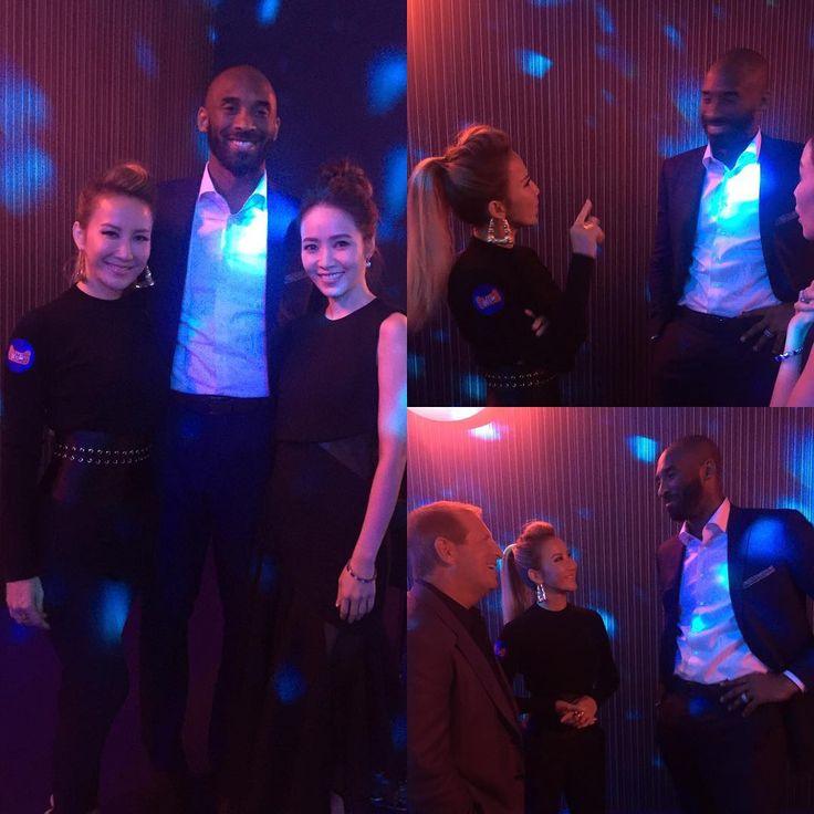 跟Kobe 聊了個很好笑的話題:廁所,和減肥.. I had a very funny conversation with Kobe Bryant about bathrooms and weight control...😝😝 #kobebryant #2016天貓雙十一狂歡夜 #酒會 #深圳 #double11 #incredibleguestlist #whatanight