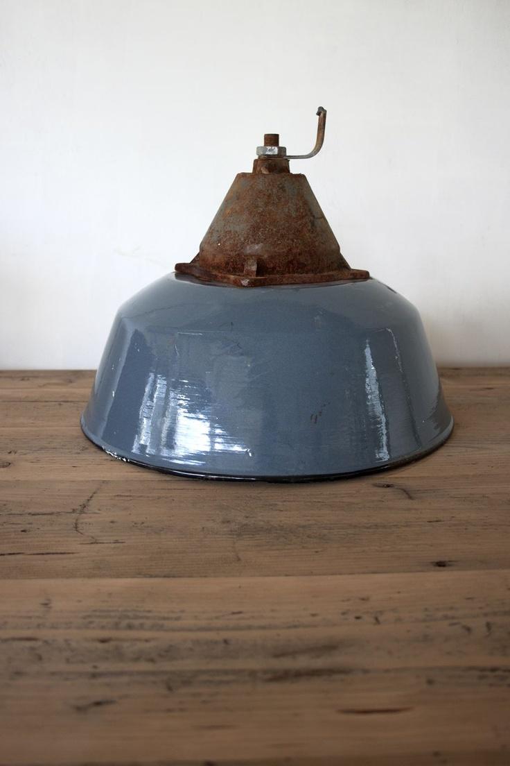 Partij emaille blauwe lampen 25st - Blood New Label   Industriële Meubels