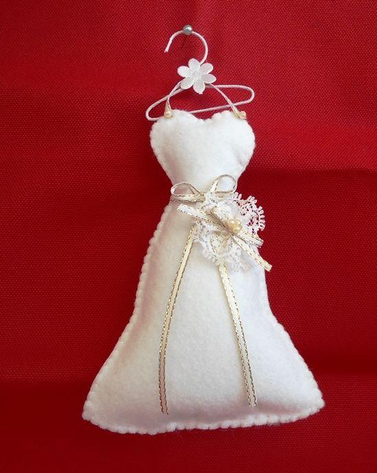 Vestido em feltro, lembrancinha sachê noiva