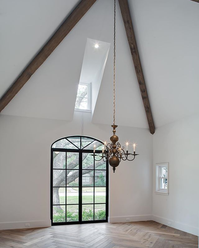 Like The Brick Beams Dark Floors Decor Chandelier Is: 103 Best Coffered Images On Pinterest