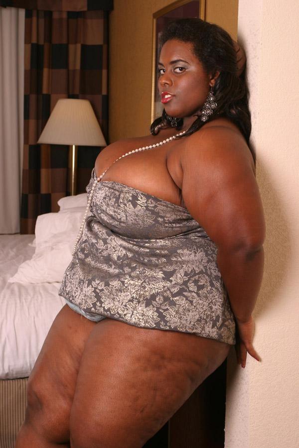 black full figure girls