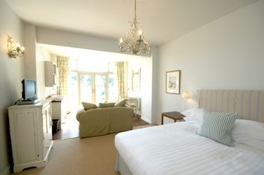 Mixing chic country house style interiors with outstanding facilities including apartment style rooms, indoor pool, excellent family restaurant, play room and huge lawned garden.. oh and there's a pretty sandy beach at the end of it... perfect!  http://www.babyfriendlyboltholes.co.uk/rosevine_manare_apartment-child-friendly-accommodation-22471.htm