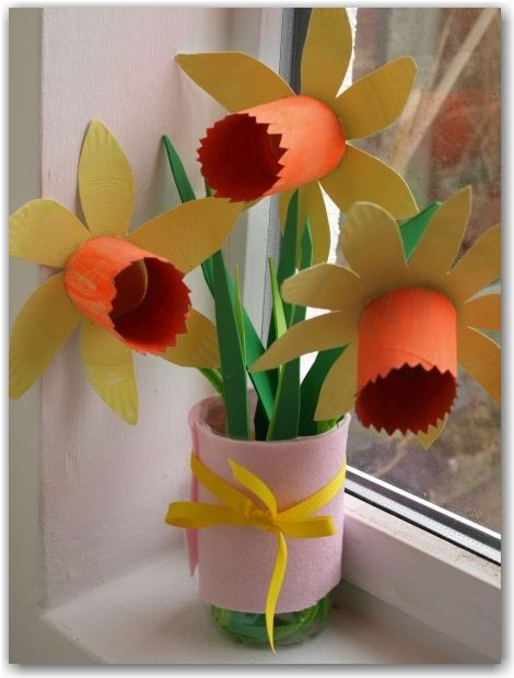 Paper Plate Daffodils - great for St David's Day