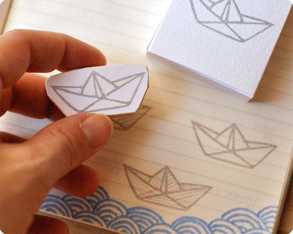 Carino carta barca mano intagliata timbro di di MemiTheRainbow