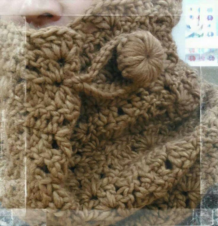Cuello de lana, en ganchillo