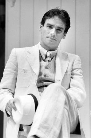 Robert Sean Leonard.