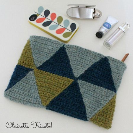 Crocheted zippered pouch
