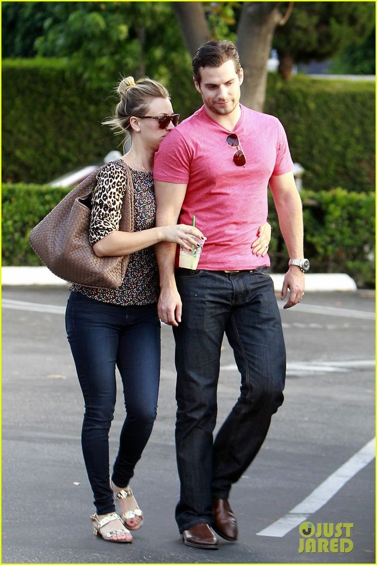 Henry Cavill & Kaley Cuoco: Holding Hands! | henry cavill kaley cuoco holding hands 06 - Photo Gallery | Just Jared