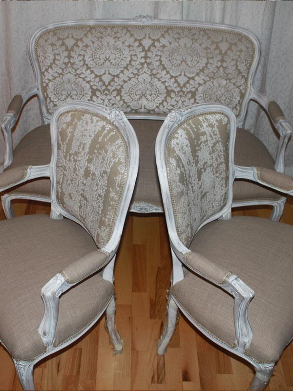 Romantic sofa and armchairs