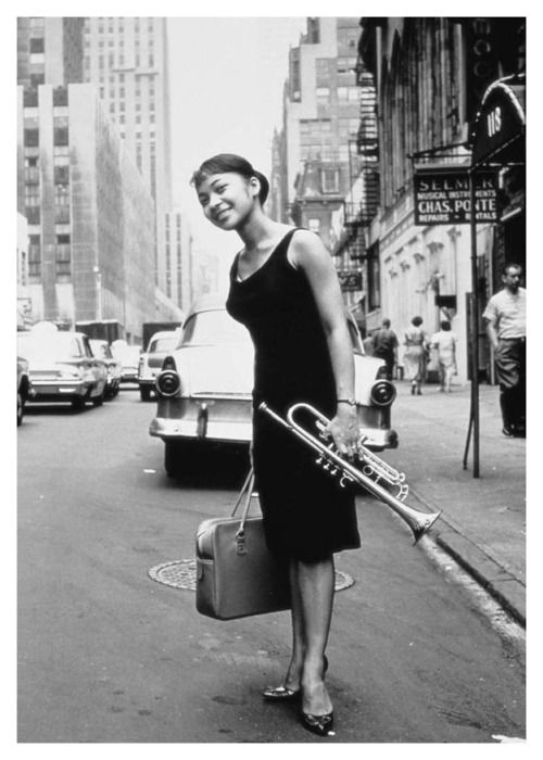 billie holiday  (Eleanora Fagan Gough 1915 -1959)  photographed    by herman leonard.