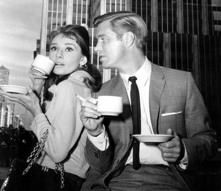 Coffee break for Audrey Hepburn & George Peppard on the New York location of Breakfast at Tiffany's