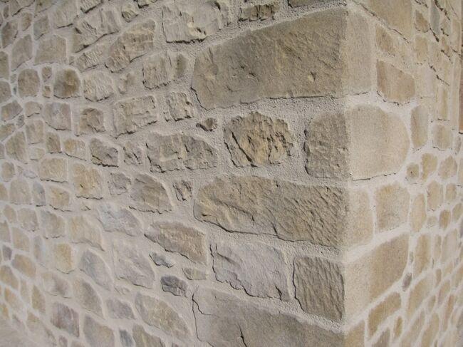 Piedra artificial o mortero tixotr pico en esquina fachada - Fachadas de piedra artificial ...