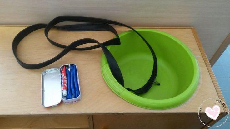 Huishoek: maak de keuken leeg en zorg voor een teiltje met water en de kinderen kunnen op zoek naar een gaatje.
