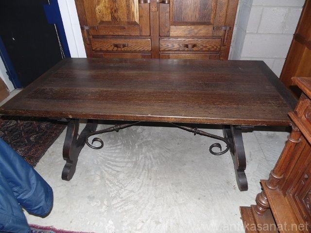 Antik İspanyol Masa.  Orijinal demir ayak bağlantılar. 1910 yılları. Ölçüler ( 90cm  180cm 76cm )