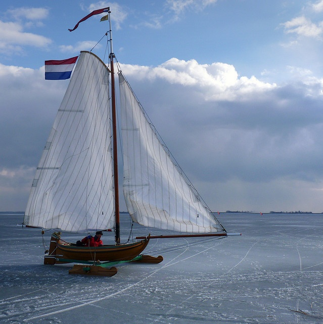 ice-yacht, Netherlands....  How I love that flag!!  How I love that country!  <3