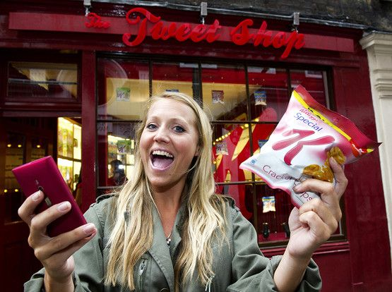 Tweet Shop opens in central London... Free snacks for Twitter posts