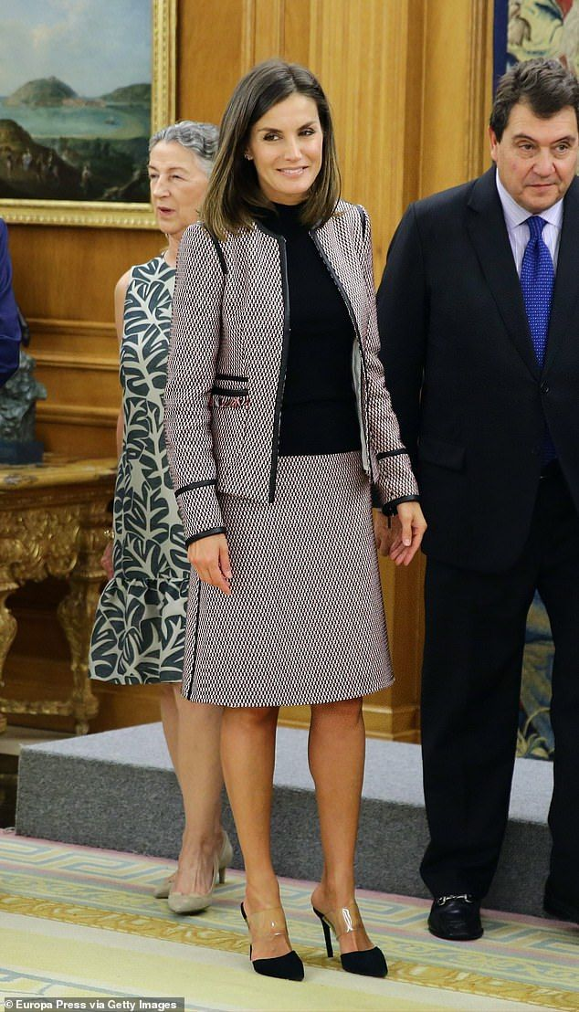 8a9490911 Queen Letizia looked chic in a blazer and skirt coord as she welcomed  representatives from the Prado Museum to her home of Zarzuela Palace in  Madrid