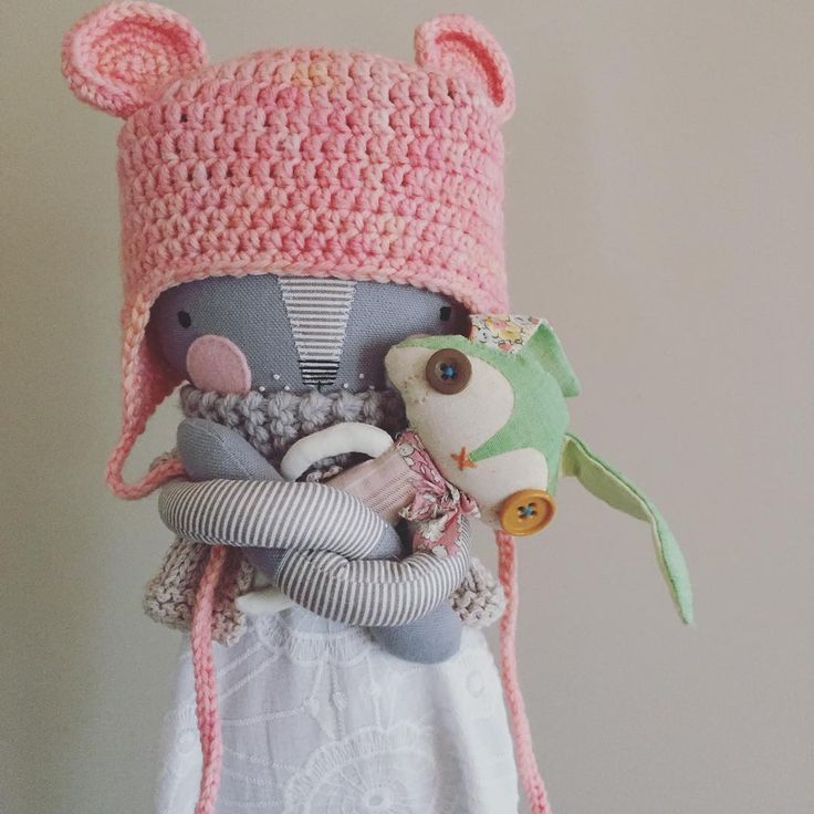 """""""We love supporting fellow doll makers. Kitty - @luckyjuju Doll sized hat - @needleandnail Tiny bunny @abigailbrownart"""""""