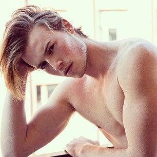 seria el perfecto Jace... shadow hunters... Jake Cassar: | 35 chicos pecosos que son demasiado atractivos para ser cierto