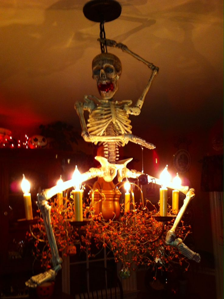 great idea for entry hall or dining room chandelier - Great Halloween Decorations