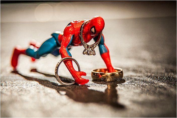 Spiderman Trouwringen Shot. Ik vind het leuk!