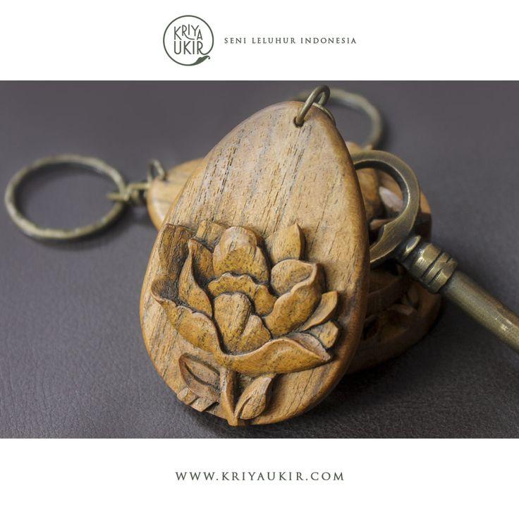 Souvenir Kerajinan Gantungan Kunci Kayu Kriya Ukir Indonesia