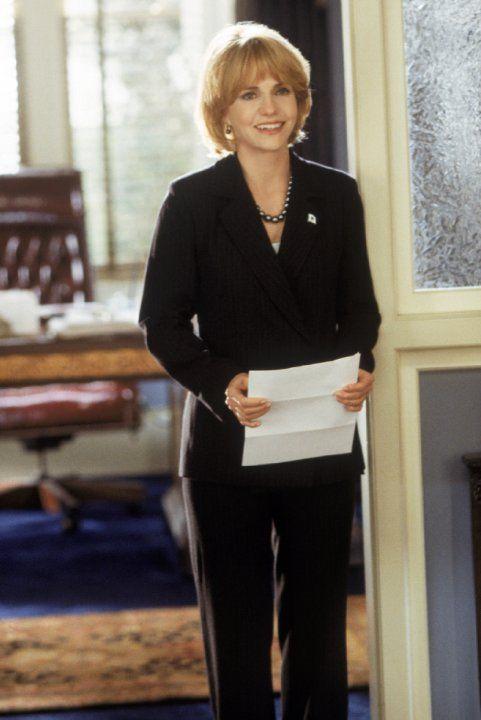 Still of Sally Field in Legalmente Loira 2 (2003)