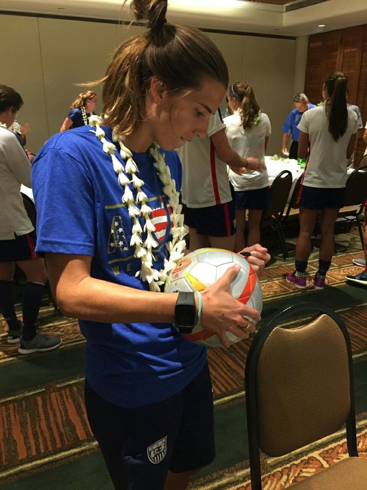Tobin Heath❤️I want this to be my soccer ball