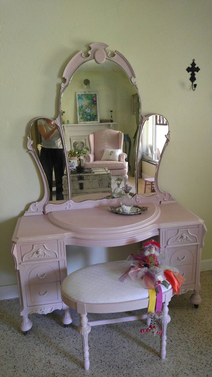 best vintage painted furniture images on pinterest painted