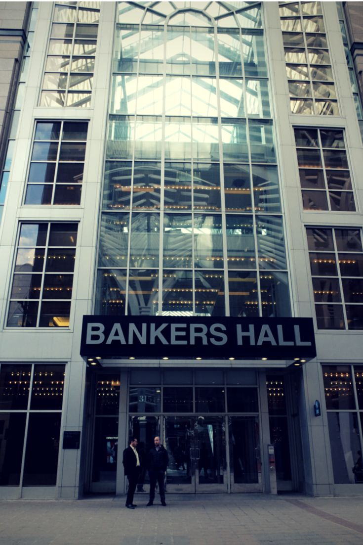 Bankers Hall is a part of the Core Shopping Centre and the crossroads between 2 of Calgary's main pedestrian malls in downtown #yyc.