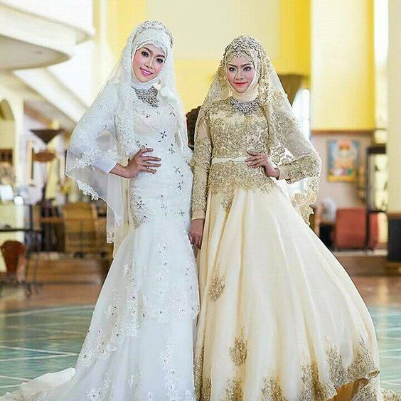 muslimweddingideasLovely photo by @__________kaj02 from Thailand ♥ Beautiful wedding dresses! ♥