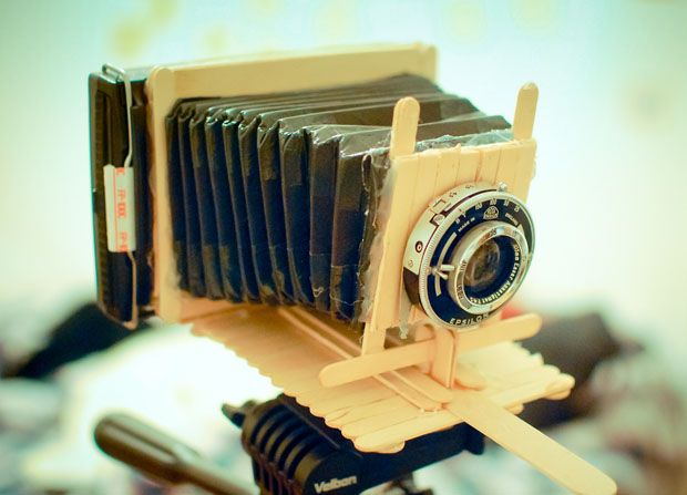 Working Polaroid Instant Camera Built Out of Popsicle Sticks