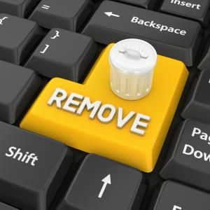 Image of a yellow remove key on a black keyboard - © pagadesign / E+ / Getty Images