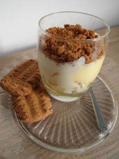 Toetje met warme appel en bastognekoek / Dessert with warm apple and bastogne cake