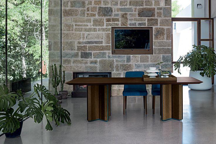 CROSS Table   SARA Chair   MARE Design Center   Costa Rica