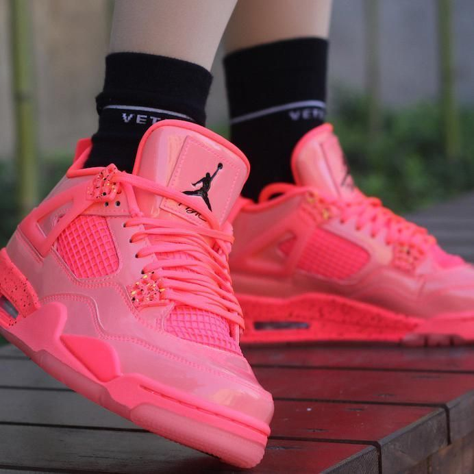 pink jordans womens size 10