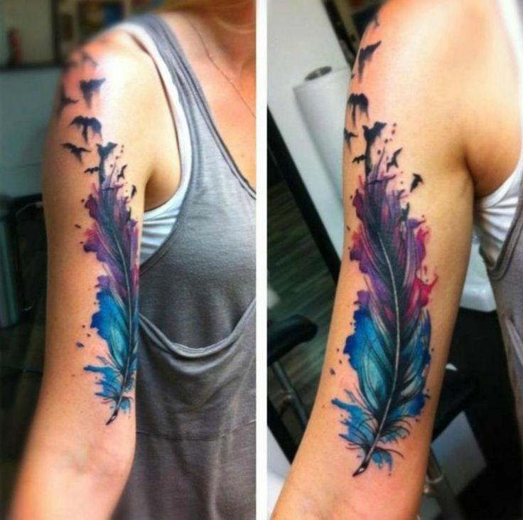 grosses Feder Tattoo in Wasserfarben
