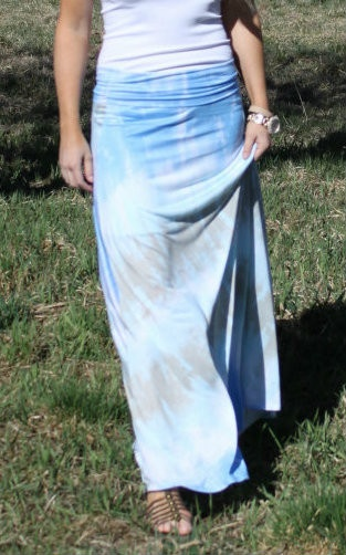Maxi Skirt. perfect for spring/summer.  love this maxi skirt! www.sevenandcoboutique.com