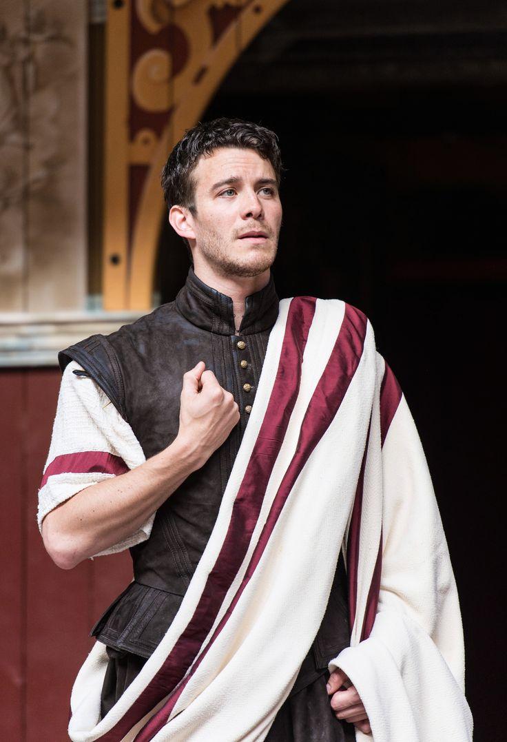 Julius caesar costume on Pinterest | Cleopatra and julius caesar ...