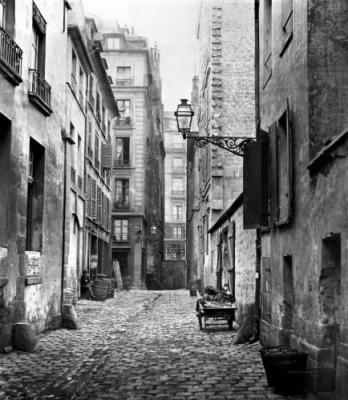 Charles Marville- Avant Haussman Rue Basse des Ursins Paris – 1858
